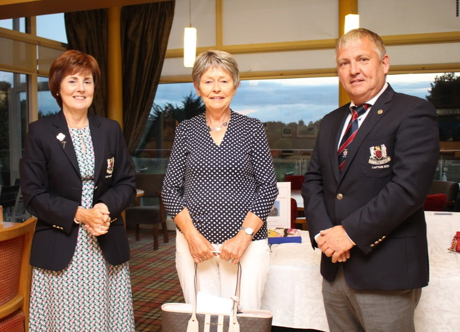 CatherineMac Guinness wins Captain Trevor's Prize to the Ladies